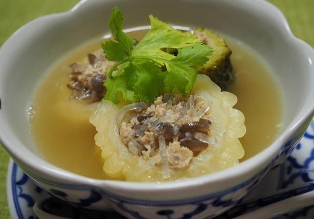 ゲーンチューマラヤッサイ(ゴーヤの肉詰めスープ)