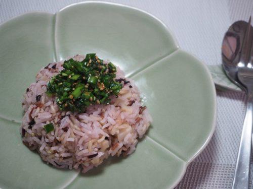 タイ玄米のにらソース