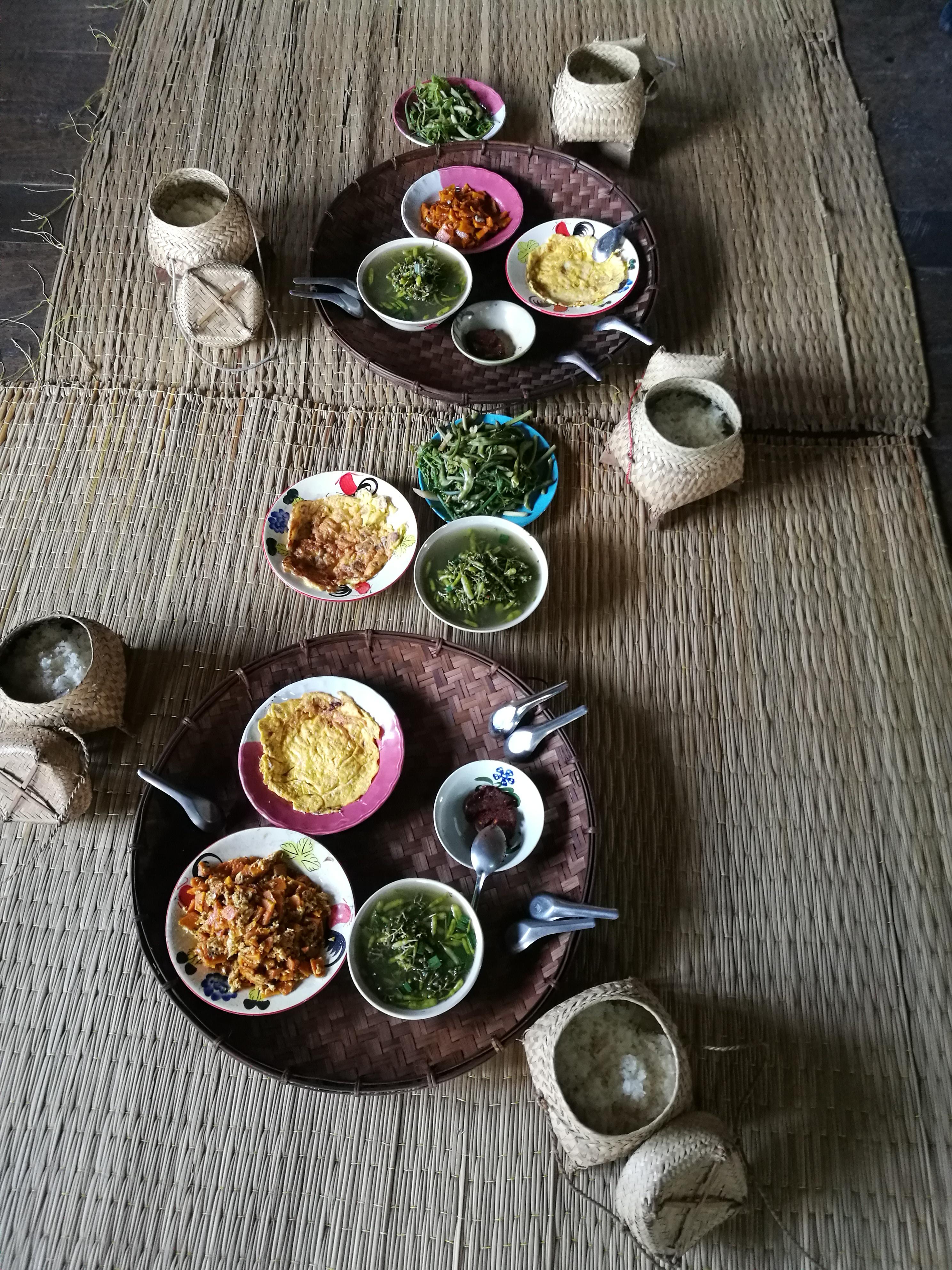 カレン族のお昼ご飯2